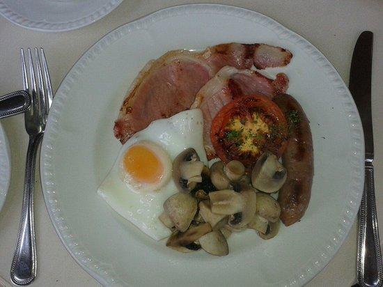 Lynton House: Great Breakfast..