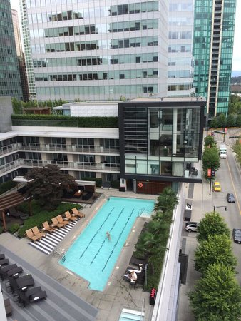 Fairmont Pacific Rim : Pool deck, amazing service!