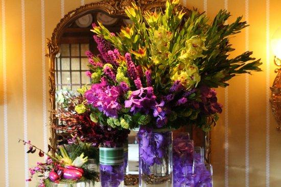Washington, VA: Three onsite floral arrangers create such works of beauty.