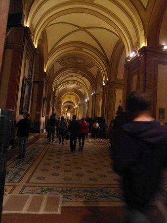 Catedral Metropolitana: Catedral por dentro, corredor lateral.