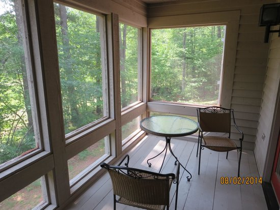 Telemark Resort: Screened in porch