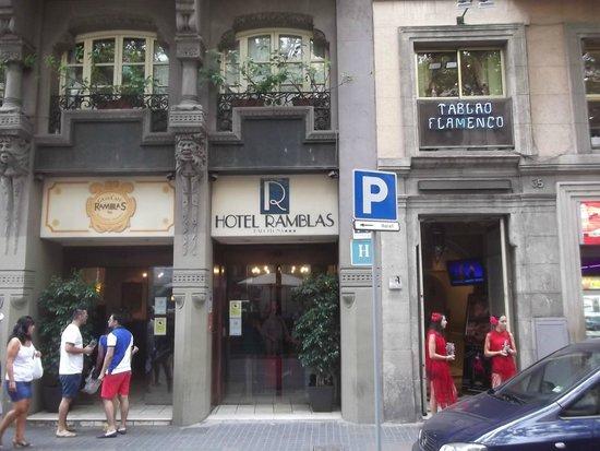 Hotel Ramblas Barcelona : Ao lado do Tablao Flamenco