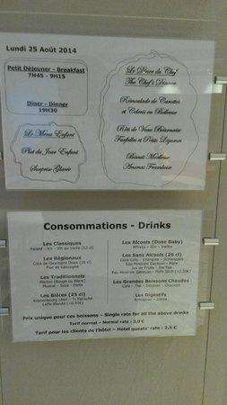 Au Primerose Hotel: Menu unique et boissons