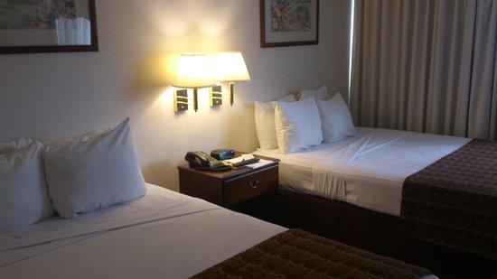 Continental Hotel & Casino: Habitación 2