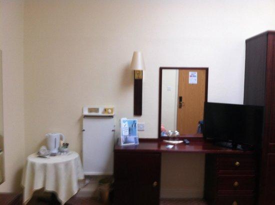 Caladh Inn: Caladh room with no window