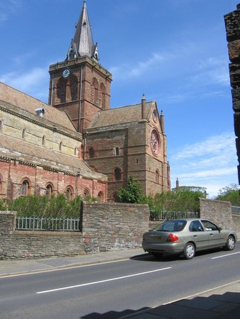 Saint Magnus Cathedral: Outside Cathedral June 2007 (2)