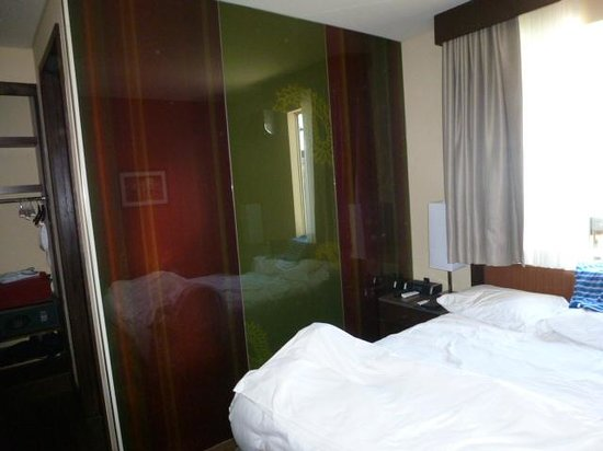 Sirtaj Hotel: Camera