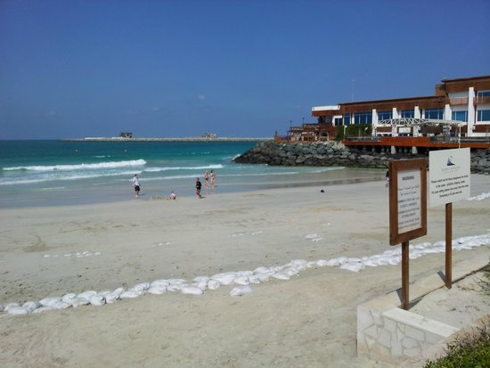 Dubai Marine Beach Resort and Spa: PLAYA