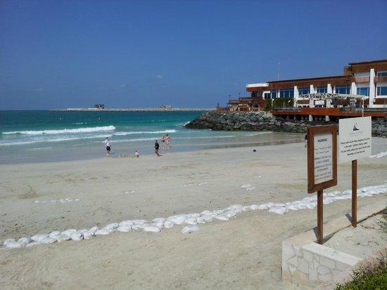 Dubai Marine Beach Resort and Spa : PLAYA