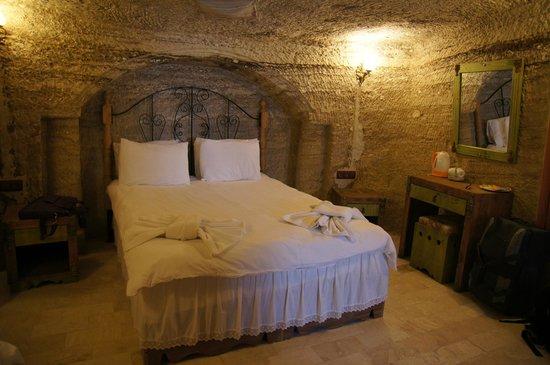 Hills Cave Hotel: suite