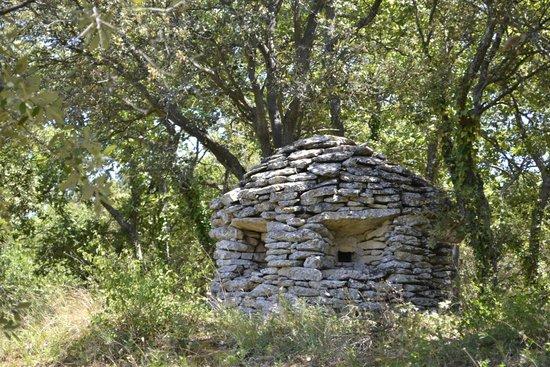 Enclos des Bories: hut with deadly