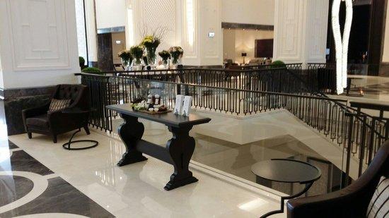 Hilton Istanbul Bomonti Hotel & Conference Center: Hotel lobby