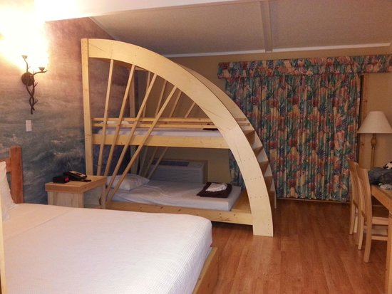 Queen Size Bed With Bunk Bed Picture Of Mt Olympus Water Theme Park Wisconsin Dells