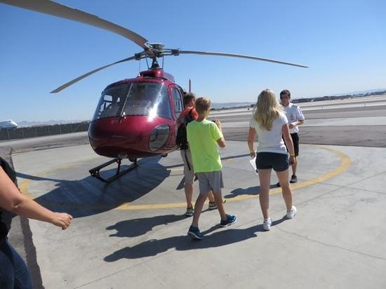 Sundance Helicopters: chopper at the vegas airport.