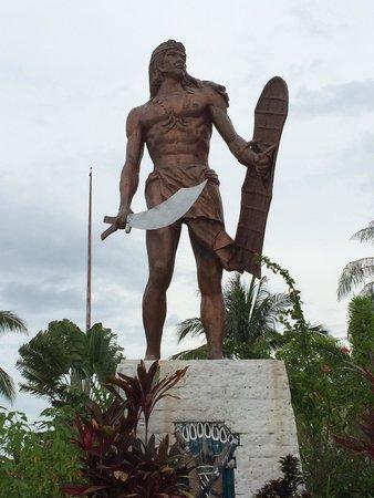 Lapu Lapu Statue: ラプラプ像