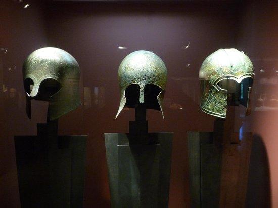Musée d'art cycladique : casques