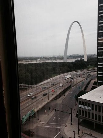 Hampton Inn - St. Louis Downtown at the Gateway Arch: View from our room