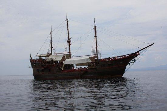Crown Paradise Club Puerto Vallarta: Hotel cercano a la marina para disfrutar del paseo pirata