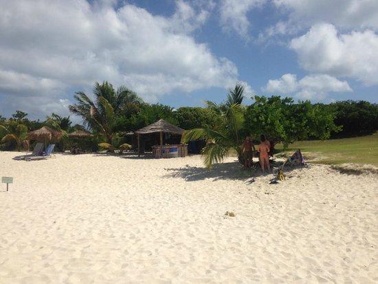 Beach huts on Prickly Pear Beach