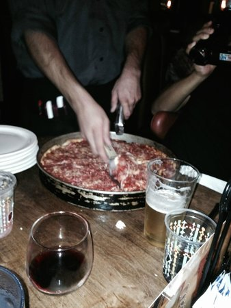 Lou Malnati's Pizzeria: Does Lou deliver to Tokyo?