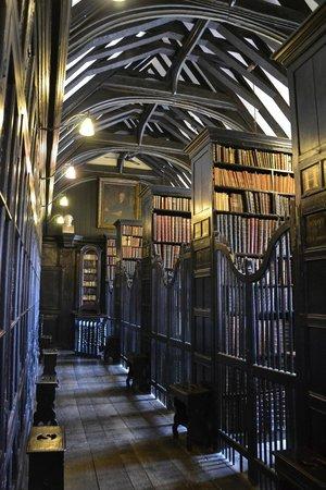 Chetham's Library: L'interno