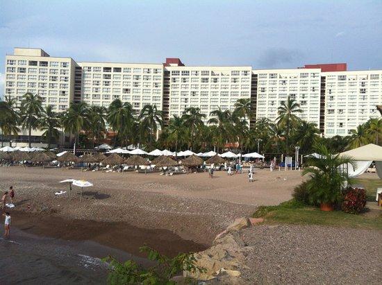 Sheraton Buganvilias Resort & Convention Center: vista desde la playa