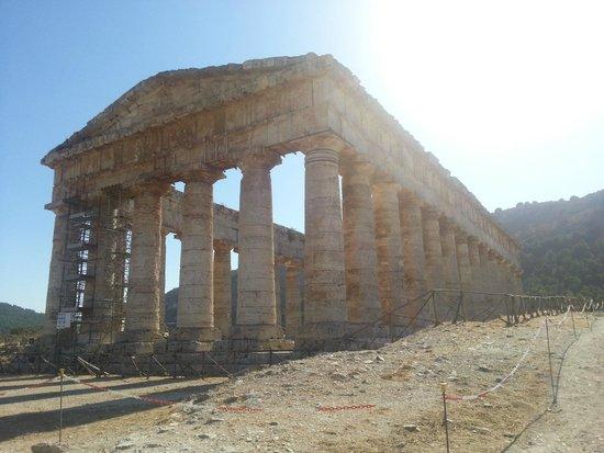 Tempio di Segesta (Tempio Influenza Greca): tempio