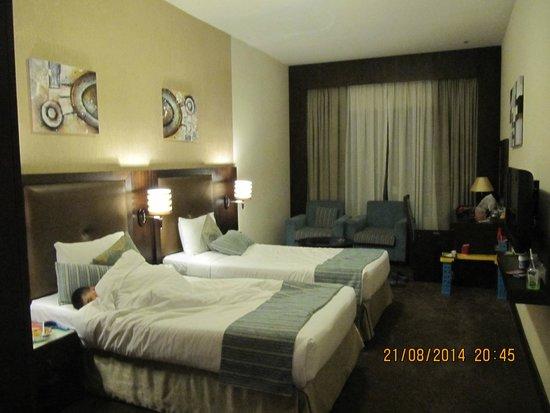 Ramada Deira: big ,quiet room