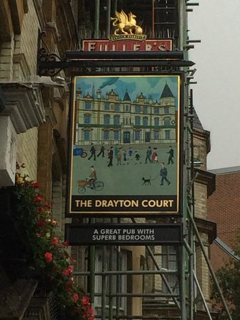 The Drayton Court Hotel: Frontage