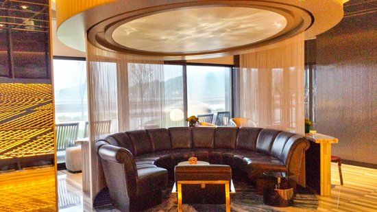"W Chicago - Lakeshore: One of the conversation ""pods"" in the lobby. There are outlets in the table behind it - convenie"