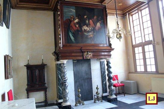 Museum Ons'Lieve Heer Op Solder: Chimenea