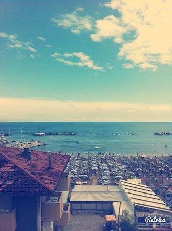 Ed ecco la vista dal balconcino dell'Hotel Aurora!