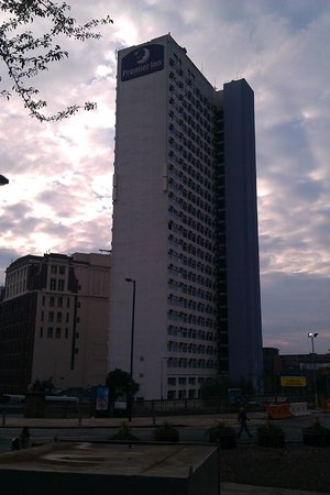 Premier Inn Manchester City Centre (Arena/Printworks) Hotel: The building.