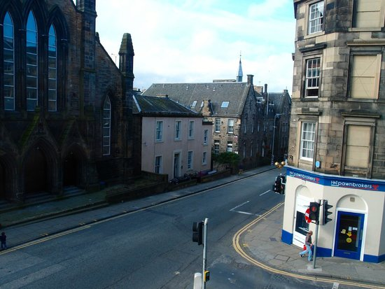 Premier Inn Edinburgh Central (Lauriston Place) Hotel: View from Room 104