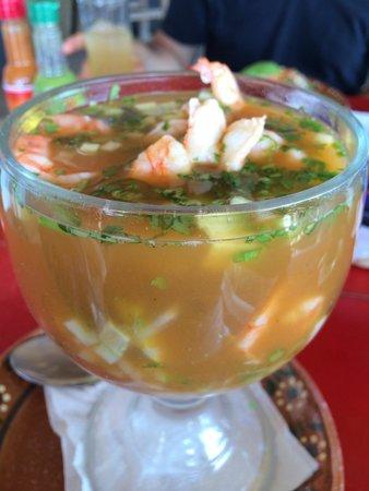 Cuates y Cuetes: Shrimp cocktail