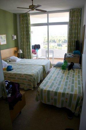 Fiesta Hotel Cala Nova : Very small rooms