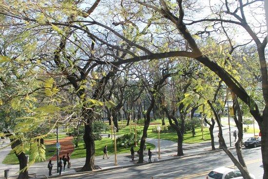 NH Buenos Aires Crillón: Vista do café da manhã