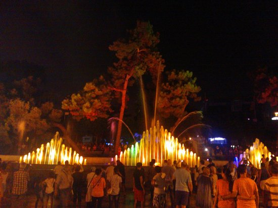 Dogan Hotel: iedere avond muzikale fonteinen in de stad