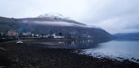 Claymore Hotel : Loch Long at Arrochar
