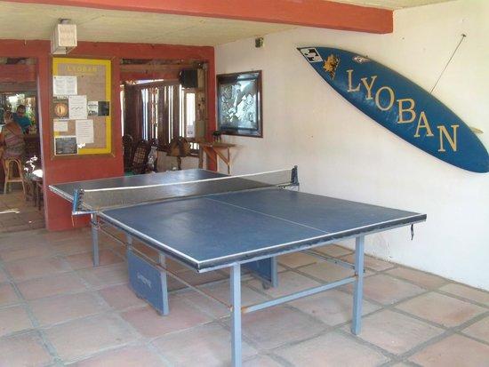 Lyoban Hostal: ping pong