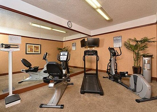 Quality Inn: gym