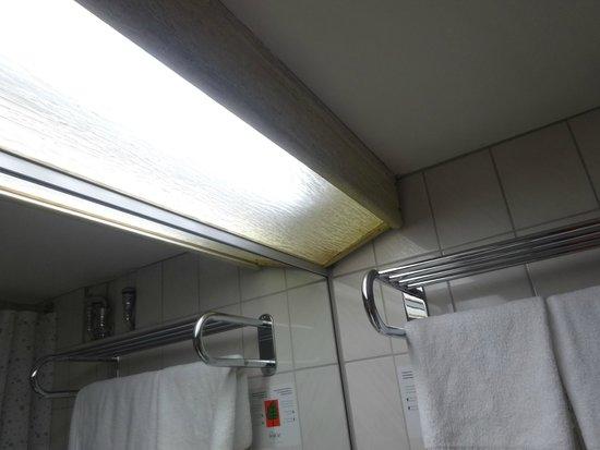 SORAT Hotel Ambassador Berlin: Dated Light 2
