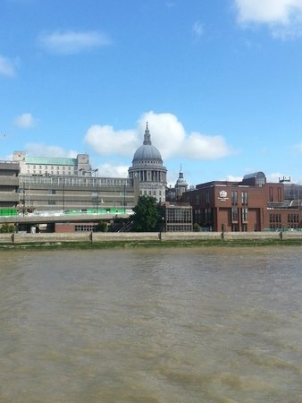 City Cruises: View of St. Paul's Cathedral from the River Thames