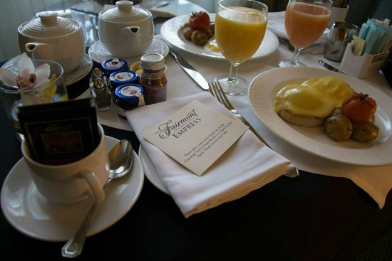 The Fairmont Empress: Room service
