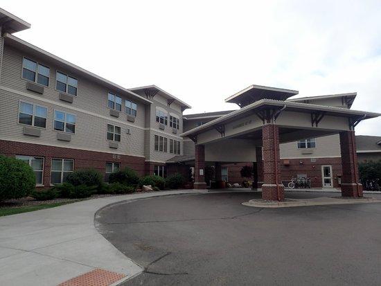 Hampton Inn Duluth: Hotel Front