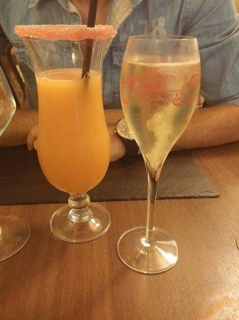 Le plat dans l'assiette: Cocktail maison et champagne tsarine !