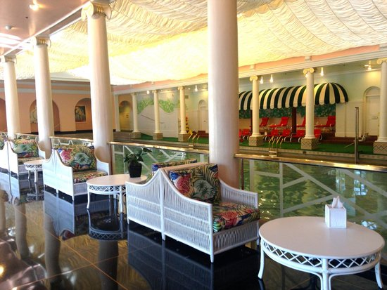 The Greenbrier : Indoor pool area