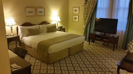 The Hotel Windsor: Room 216