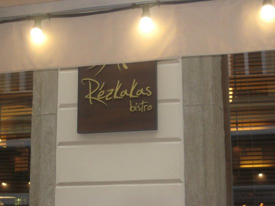 Rezkakas Bistro: Wonderful place to eat!