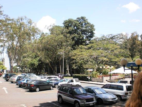 Universidad de Costa Rica : Estacionamento da Universidade 2